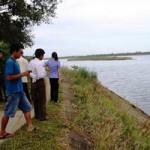 Tin tức trong ngày - Đi xe đạp dọc bờ kênh, 3 em nhỏ chết đuối thương tâm