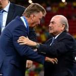 Bóng đá - Chủ tịch FIFA trao HCĐ cho Hà Lan