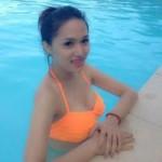 Sao ngoại-sao nội - Hương Giang Idol diện bikini bắt vịt