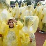 Sức khỏe đời sống - Kinh hoàng áo mưa chứa hóa chất gây hại cho não