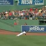 Thể thao - Pha bay người bắt bóng chày siêu đẳng