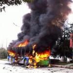 Tin tức trong ngày - TQ: Tưới xăng đốt xe bus để được ăn cơm tù miễn phí