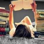 Thời trang - Hãy yêu một cô nàng thích đọc sách