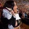 Rihanna khoe ngực mừng bàn thắng của tuyển Đức