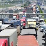 Tin tức trong ngày - Một xe gặp nạn, cả ngàn xe xếp hàng 10km trên quốc lộ