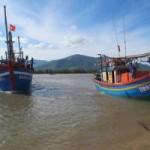 Tin tức trong ngày - 13  ngư dân bị Trung Quốc bắt giữ đã về nước an toàn