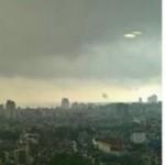 Tin tức trong ngày - Bí ẩn quầng sáng lạ trên bầu trời Hà Nội