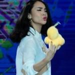 Ca nhạc - MTV - Yến Trang, Ốc Thanh Vân hóa... vịt trên sân khấu