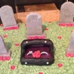 Phi thường - kỳ quặc - Sốc với bánh kem bia mộ để ăn mừng ly hôn
