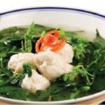 Ẩm thực - Ngọt thơm, bổ mát canh rau dền chả cá