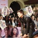 Phim - Mỹ nam Philippines quỳ gối cảm ơn fan Việt