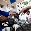 Giảm giá dầu từ 17h hôm nay, giữ nguyên giá xăng