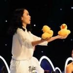 """Ca nhạc - MTV - Yến Trang dùng quà tặng """"dụ"""" thí sinh Bước nhảy hoàn vũ nhí"""