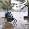 Bão Thần Sấm hướng sang TQ, Quảng Ninh mưa to, gió giật mạnh