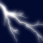 Tin tức trong ngày - Trú mưa giữa đồng, 3 trẻ chăn trâu bị sét đánh chết