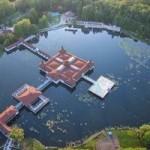 Du lịch - Thư giãn ở hồ nước nóng tự nhiên lớn nhất châu Âu
