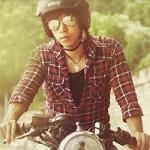 Thời trang - Ấn tượng với chàng nghệ sĩ trên chiếc motor