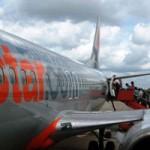 Tin tức trong ngày - Jetstar thay đổi lịch trình vì… chim va vào máy bay