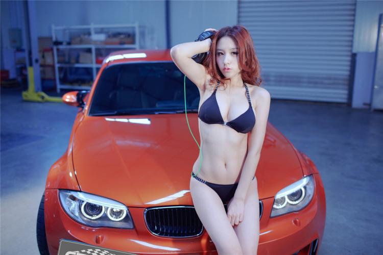 Sôi sục bộ ảnh thiếu nữ tạo dáng bên BMW - 2