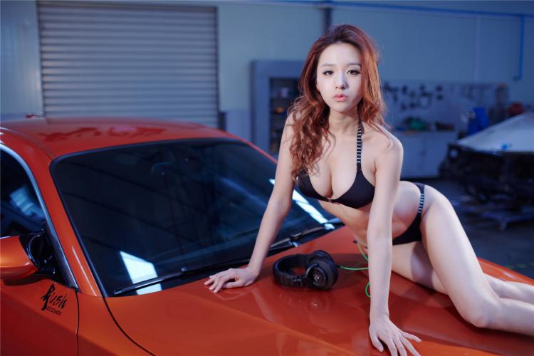 Sôi sục bộ ảnh thiếu nữ tạo dáng bên BMW - 4