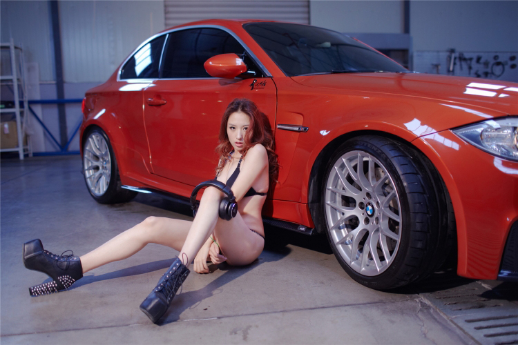 Sôi sục bộ ảnh thiếu nữ tạo dáng bên BMW - 7
