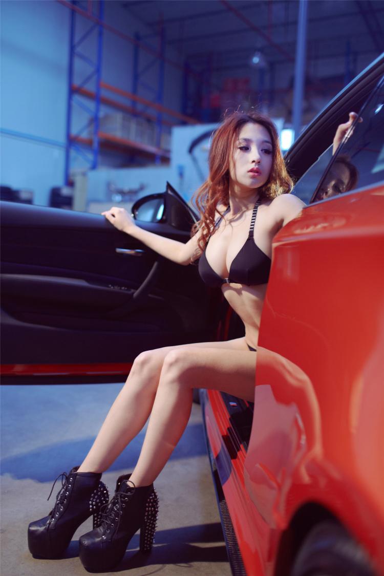 Sôi sục bộ ảnh thiếu nữ tạo dáng bên BMW - 16