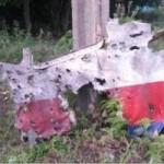 Tin tức trong ngày - Ảnh: Máy bay MH17 thủng lỗ chỗ to như nắm tay