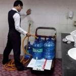 Tin tức trong ngày - Nước tinh khiết ở sân bay Tân Sơn Nhất lấy từ… toilet?
