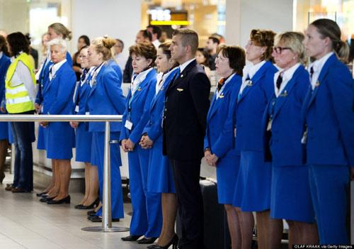 Ảnh: Hà Lan đón nạn nhân MH17 trở về - 10