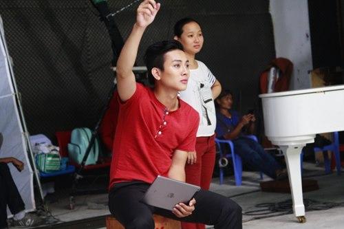 Hoài Lâm khoe tài lẻ trong MV đầu tay - 8