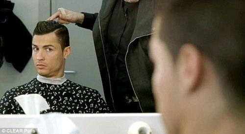 Cristiano Ronaldo ngày càng điệu - 7