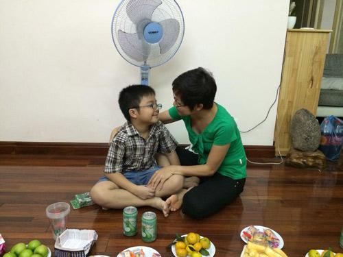 Ấm áp tình mẹ con của MC Thảo Vân - 11