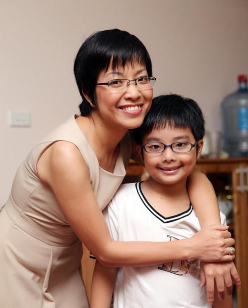 Ấm áp tình mẹ con của MC Thảo Vân - 1