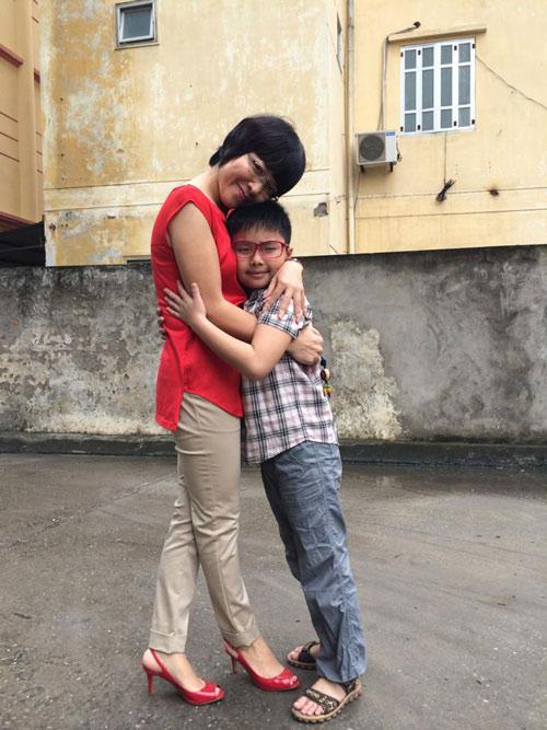 Ấm áp tình mẹ con của MC Thảo Vân - 7