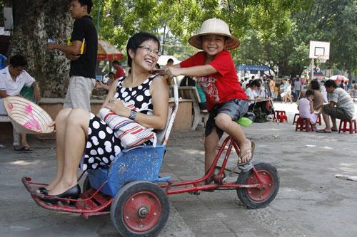 Ấm áp tình mẹ con của MC Thảo Vân - 2