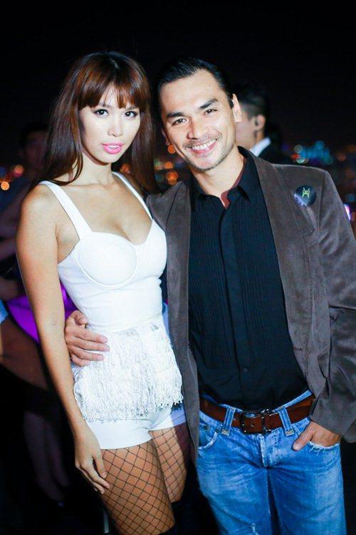 Hà Anh mặc táo bạo giới thiệu MV mới - 5