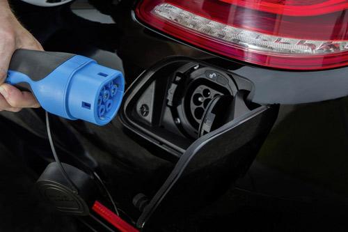 Mercedes-Benz khoe công nghệ F1 trên S500 Plug-In Hybrid - 3