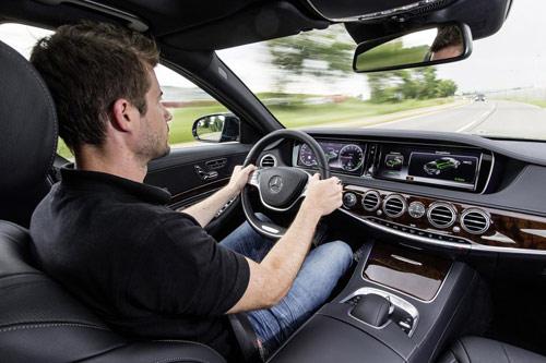 Mercedes-Benz khoe công nghệ F1 trên S500 Plug-In Hybrid - 6