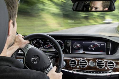 Mercedes-Benz khoe công nghệ F1 trên S500 Plug-In Hybrid - 7