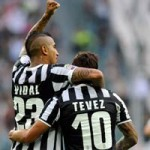 Bóng đá - MU chưa thể chiêu mộ Vidal vì… Tevez