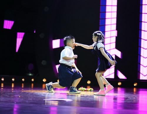 Trấn Thành so kè khả năng vũ đạo cùng thí sinh Vũ điệu tuổi xanh - 4