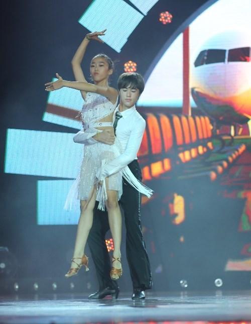Trấn Thành so kè khả năng vũ đạo cùng thí sinh Vũ điệu tuổi xanh - 6