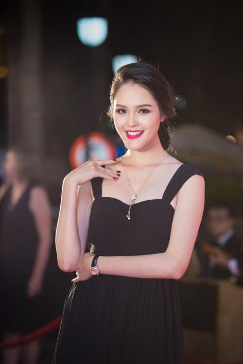 Hoa hậu Thu Thảo đẹp hút hồn trên thảm đỏ - 5