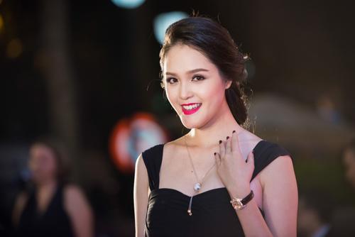 Hoa hậu Thu Thảo đẹp hút hồn trên thảm đỏ - 6