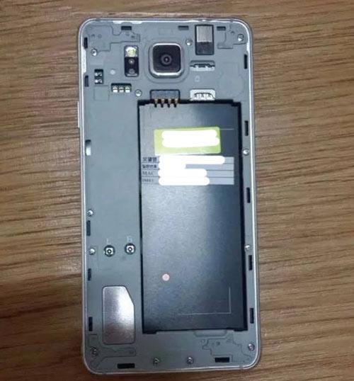 Lộ ảnh Galaxy Alpha khung kim loại, màn hình 4,7 inch - 2