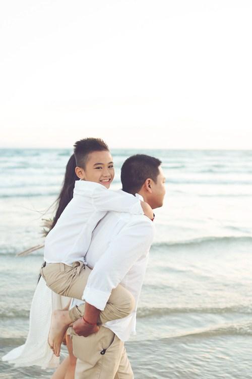 Kim Hiền say đắm hôn chồng sắp cưới trên sa mạc - 14
