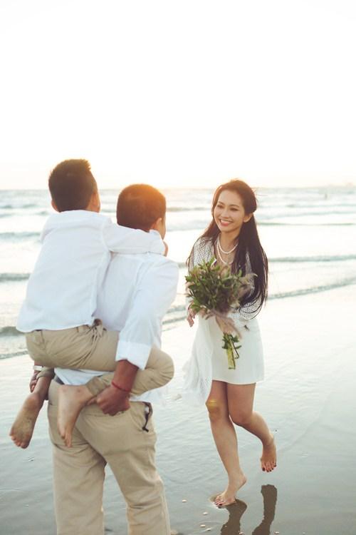Kim Hiền say đắm hôn chồng sắp cưới trên sa mạc - 15