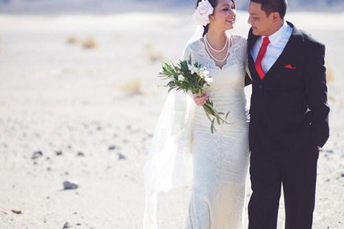 Kim Hiền say đắm hôn chồng sắp cưới trên sa mạc - 2