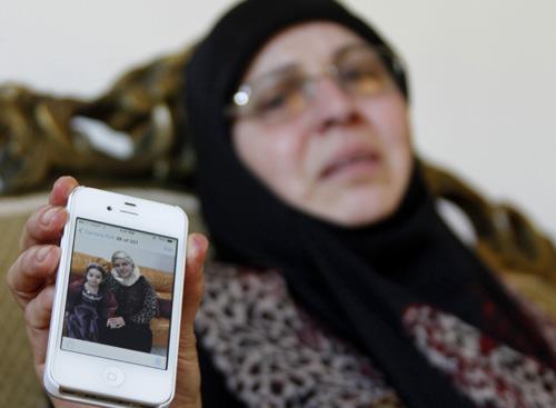 Thảm kịch máy bay Algeria rơi giết chết 4 gia đình - 2