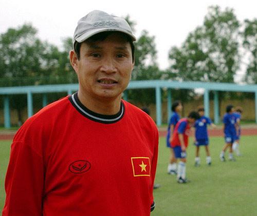 HLV Mai Đức Chung bất ngờ trở lại với tuyển nữ - 1